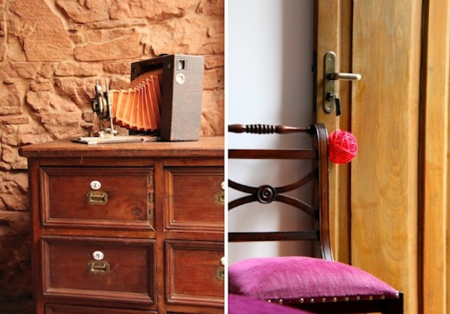 o charme no detalhe do chaveiro do quarto e das mobílias antigas