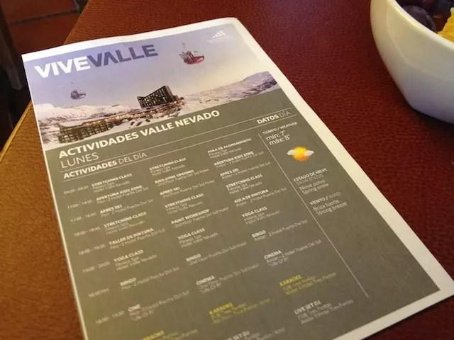 Papel informa as atividades diárias no Valle! Meus filhos adoraram o bingo e a sessão de cinema!
