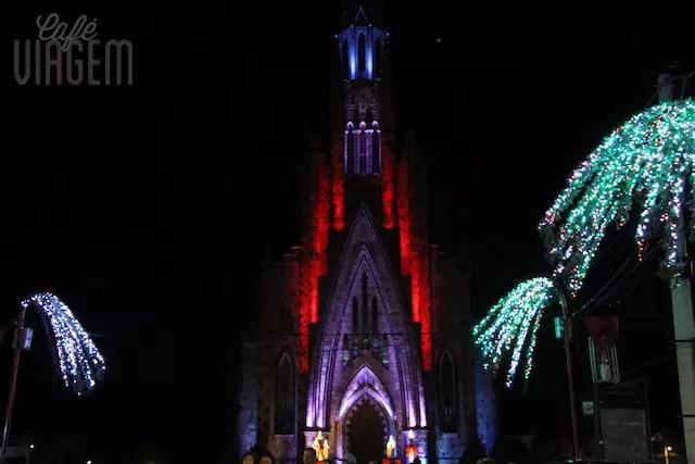 Catedral de Pedra Canela iluminada
