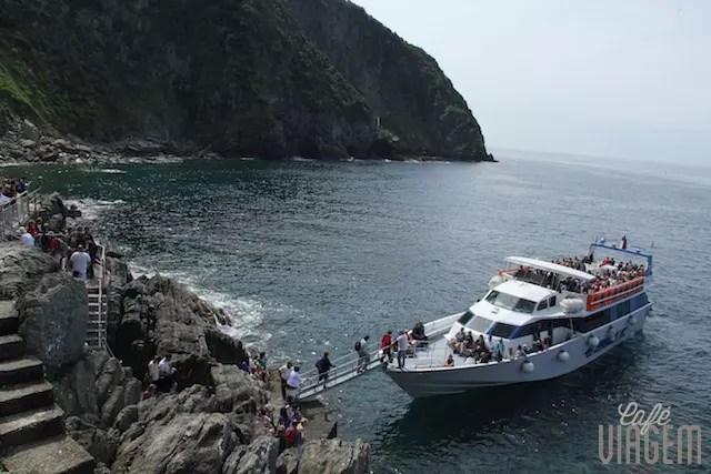 A chegada de barco em Riomaggiore