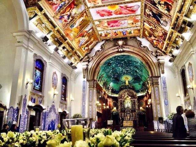 as crianças não se interessaram, mas a Igreja Nossa Senhora do Brasil é lindaaa!