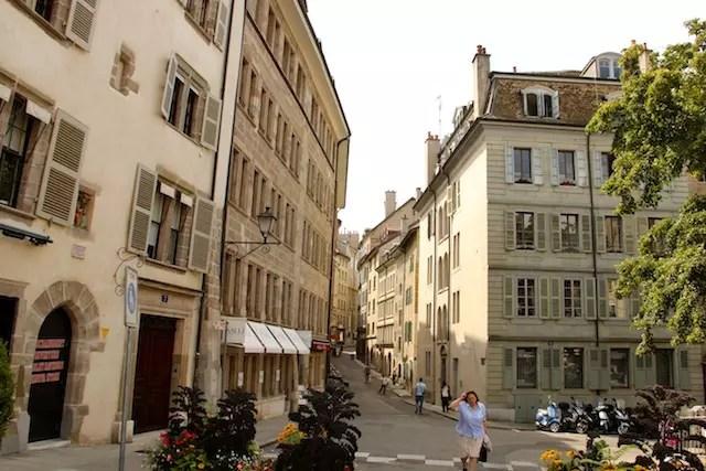 Subindo a caminho da Catedral pelas ruelas charmosas da Cidade Velha
