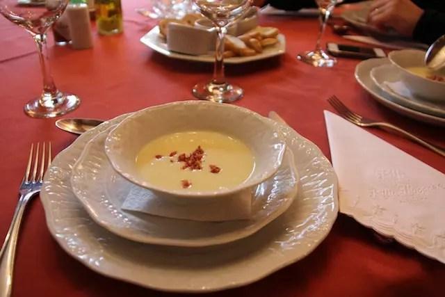 a entrada triunfal: sopa de batata