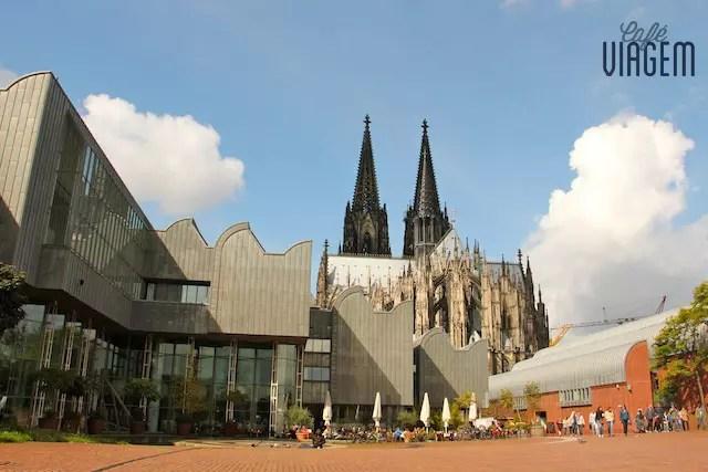 O café mais bem localizado de Colônia: atrás da Catedral.