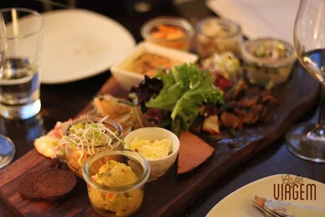 nossa escolha foram degustações de várias especialidades da casa, uma delícia!