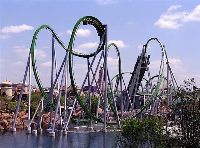 Foto divulgação Universal. A concorrida montanha russa do Hulk no Island of Adventure