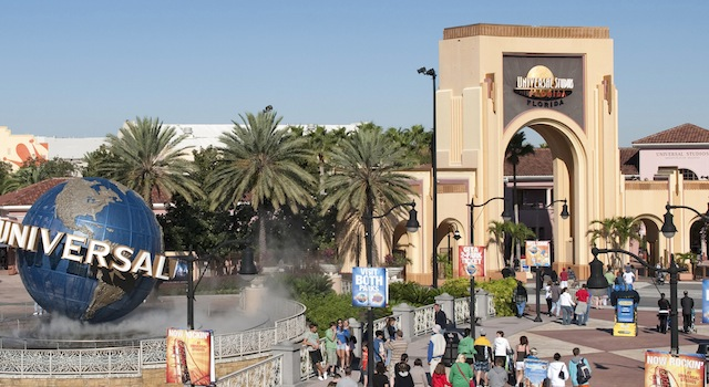 Foto crédito Universal.  Na entrada para os parques, pague mais pelo seu ingresso e poupe tempo nas filas com o Universal Express