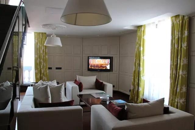 sala de estar do quarto