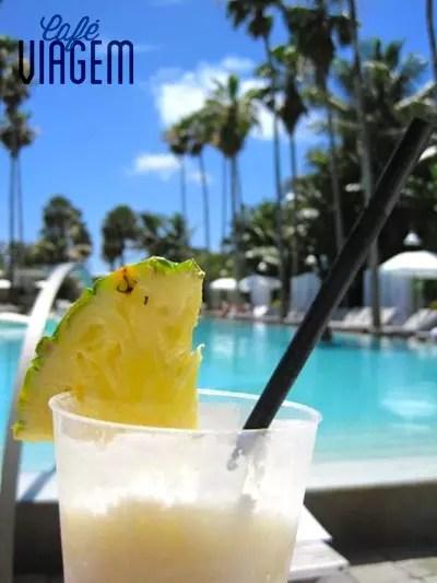 Hotéis pé na areia (Delano) e uma das especialidades de Miami Beach, os drinques!