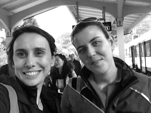 Eu e minha super Guia portuguesa ao término do passeio na estação de Interlaken