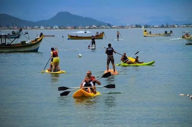 Foto: Escola SUP Reis | Praia de Baixo Praia da Pinheira-SC
