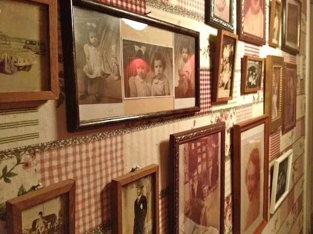 as fotos antigas da família da proprietária e momentos especiais do restaurante