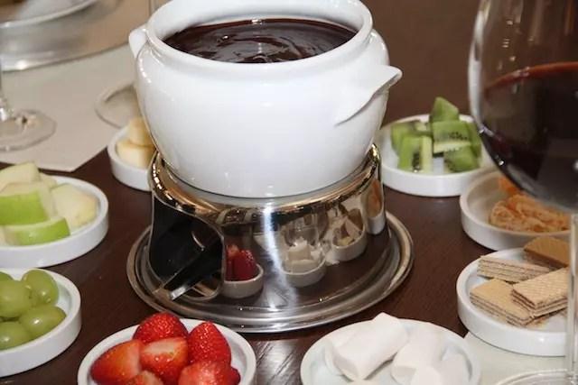 Para esquentar, no inverno tem fondue no hotel, adorei!