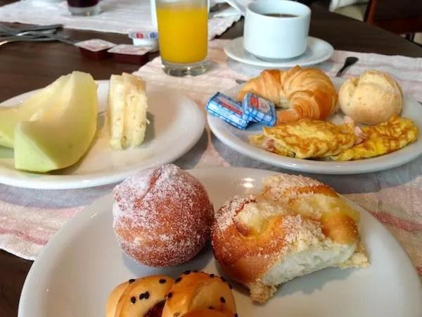 """Café da manhã... Adoro as """"massinhas"""" doces de Santa Catarina"""