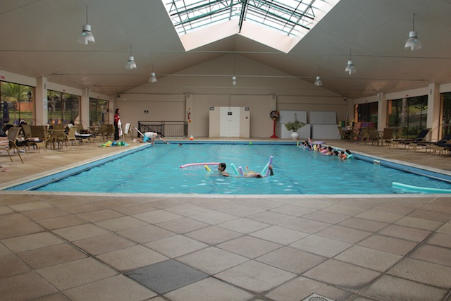 A piscina coberta, perfeita para os dias frios