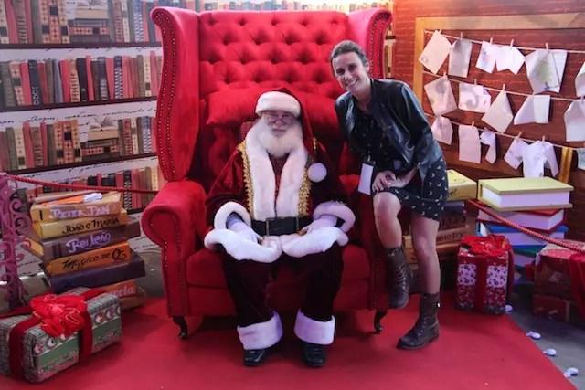Olha eu fazendo meus pedidos para o Papai Noel