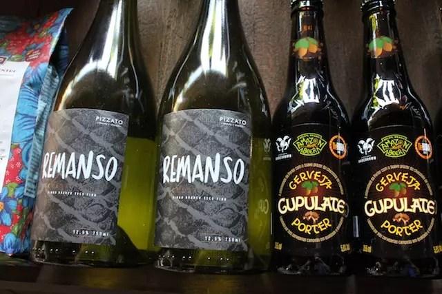 Pra beber: Amazon Beer e o vinho Chardonnay da casa, o Remanso da vinícola Pizzato