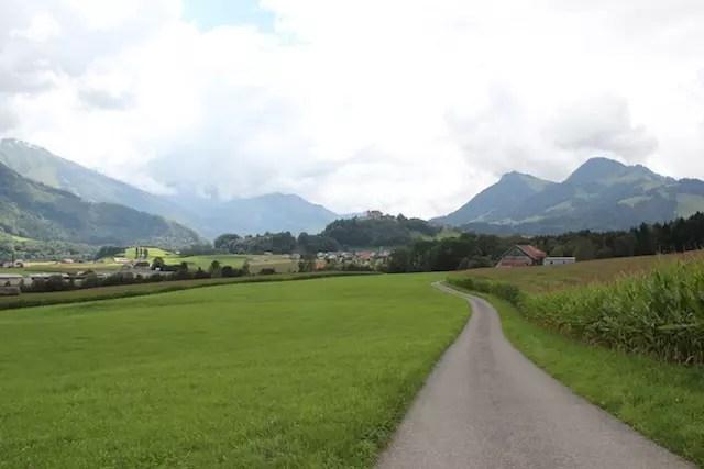 Caminhando e passeando pela região