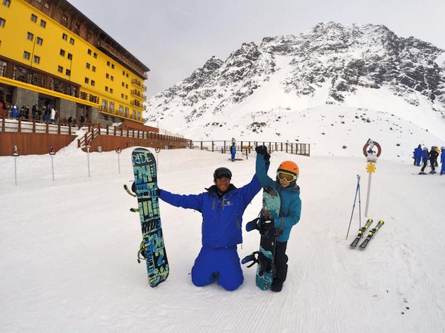 meu filhote e seu professor canadense de snowboard