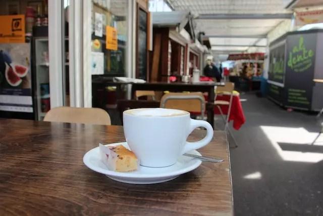 cafezinho e suco na feira, uma delícia!