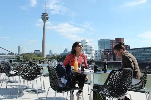 vista incrível do lado moderno de Düsseldorf