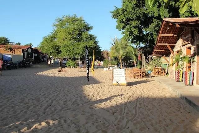 A rua principal de Jeri é assim, de areia !