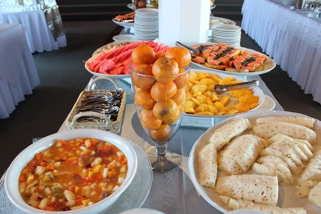 Bom-dia na nossa refeição preferida da viagem: café da manhã!!