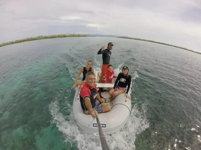 procurando os corais.