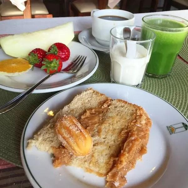 Café da manhã do Vila Suzana com bolo churros, ai que saudades!!!!!!!