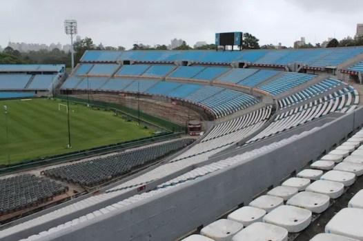 Visita ao Estádio Centenário de Montevidéu