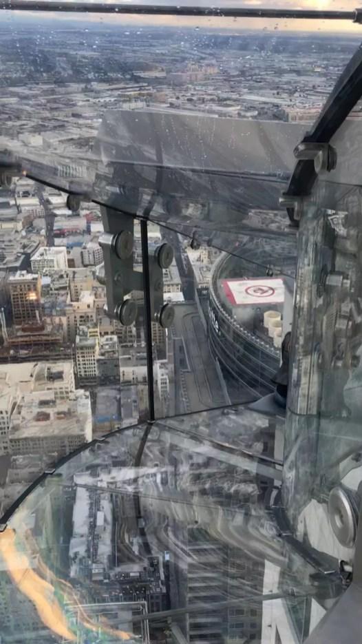 escorregador-Skyspace-Los-Angeles-3