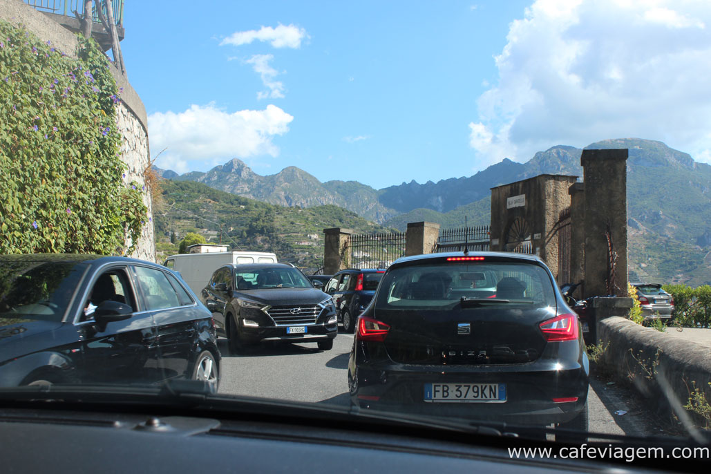 Dirigindo na Costa Amalfitana