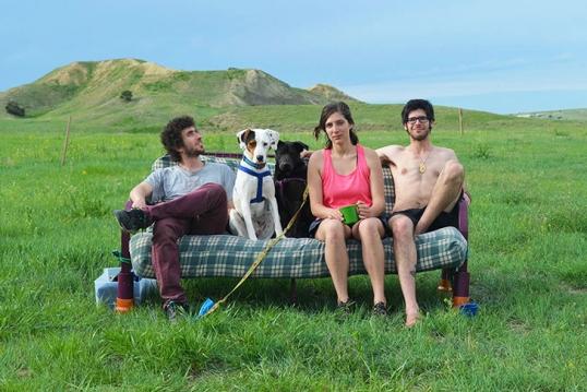 Resultado de imagen de couchsurfing gente
