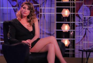 """""""Manco un bacio"""". Venus club, Elisa Isoardi si confessa (finalmente) da Lorella Boccia. E spunta l'indiscrezione sul suo passato"""