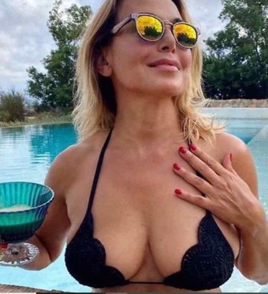 Barbara D'Urso foto sexy mare