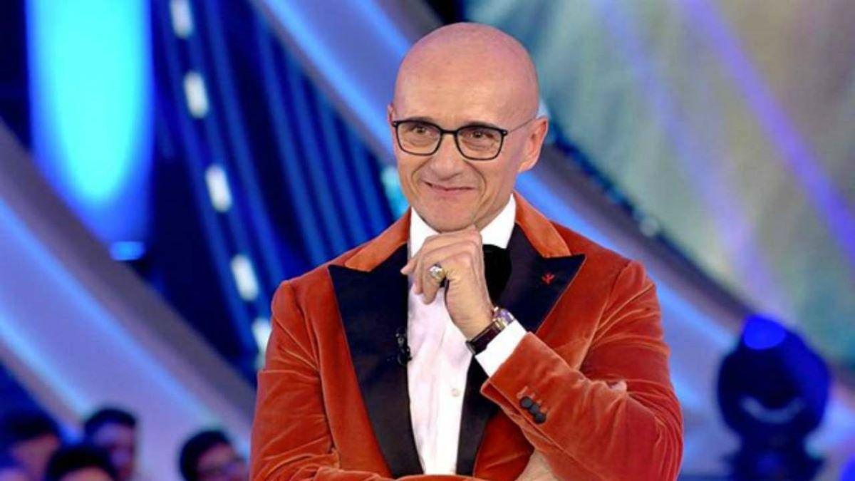 """""""Una decisione senza precedenti"""". GF Vip 6, Alfonso Signorini da record: la notizia sulla nuova edizione è una bomba"""
