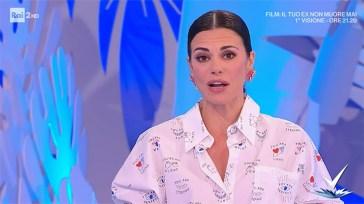 """Bianca Guaccero, clamorosa gaffe con Simona Ventura: """"Ma tu…"""". Che imbarazzo in studio"""