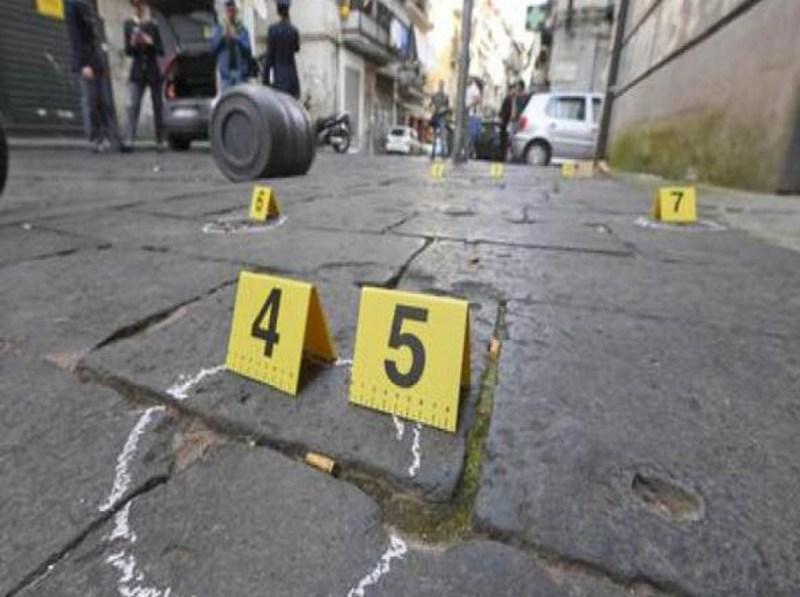 ナポリジュゼッペフィオリージョ19年の死んだ銃のショット