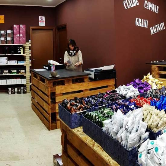 caffeina-store-punto-vendita-carvico-11
