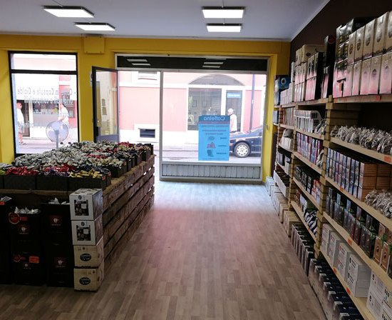 caffeina-store-punto-vendita-san-damiano-thumb-4