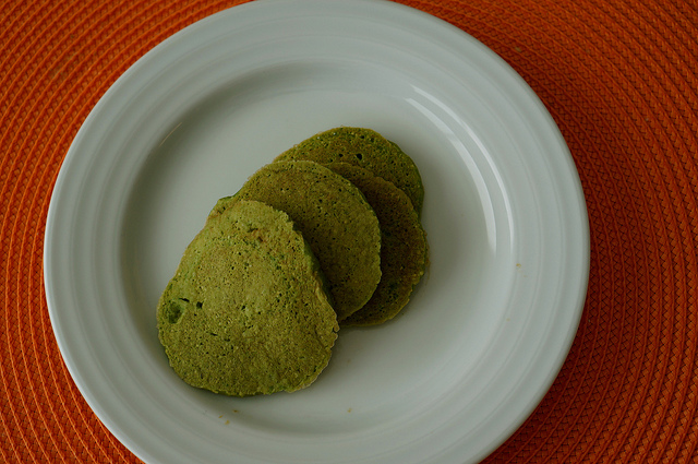 spinach oatmeal pancakes, baby led weaning