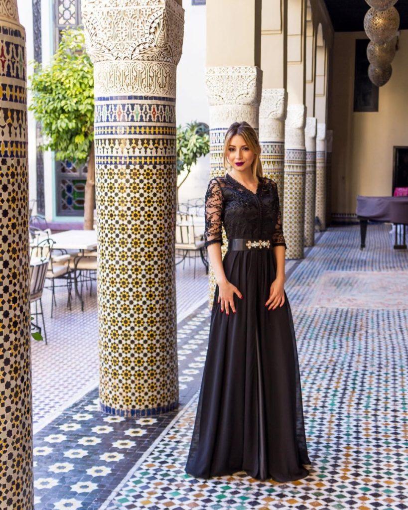 """Caftan noir marocain pour le mariage """"srcset ="""" https://www.caftans-marocains.com/wp-content/uploads/2019/05/Caftan-marocain-Black-for-wedding """"class ="""" wp-image-1093 """" - 819x1024.jpg 819w, https://www.caftans-marocains.com/wp-content/uploads/2019/05/Caftan-marocain-Black-for-wedding-240x300.jpg 240w, https: //www.caftans - marocains.com/wp-content/uploads/2019/05/Caftan-marocain-Noir-pour-mariage-768x960.jpg 768w, https://www.caftans-marocains.com/wp-content/uploads/2019/ 05 / Caftan- marocain-Black-for-marriage.jpg 1080w """"tailles ="""" (largeur maximale: 819px) 100vw, 819px"""