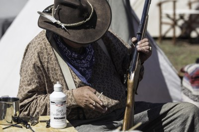 Cleaning the musket