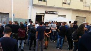 Cagliari. Staccata dopo inaugurazione l'insegna di CasaPound perché  piccola