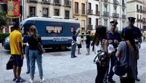 Il camper della Polizia di Stato contro la violenza di genere, domani in piazza a Carbonia