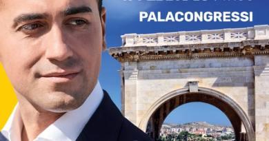 """Di Maio a Cagliari: """"Dalla Sardegna si possono esportare le bombe ma non il casu marzu"""""""