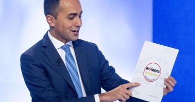 """Di Maio chiarisce: """"Reddito cittadinanza non ha limite di 2 anni"""""""