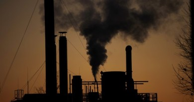 Clima. Via libera all'accordo, Greenpeace: dodici anni per salvare il pianeta