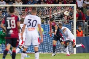 Nel primo anticipo della quarta giornata della serie A il Cagliari affonda il Genoa 3-1