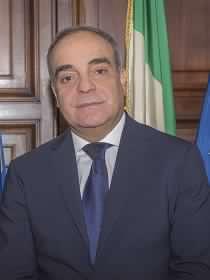 """Calvisi (Difesa): ceduta la caserma """"Loy"""" al Comune di Nuoro."""